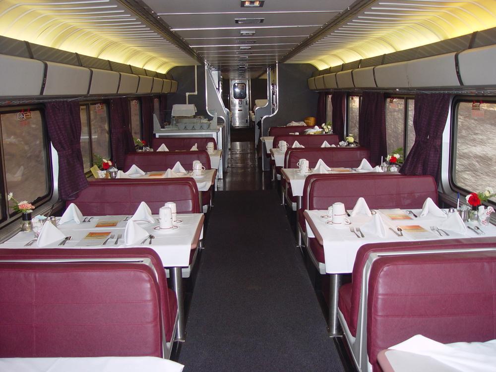"Amtrak ""Capitol Limited"" dining car.         (Amtrak Photo)"
