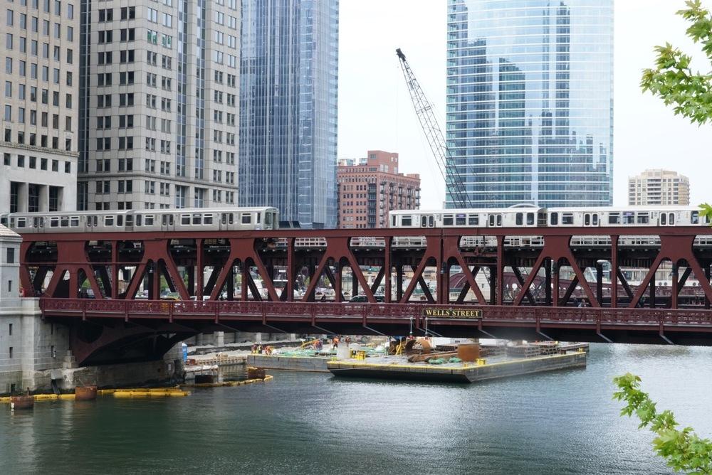 "The famous Chicago ""L"""