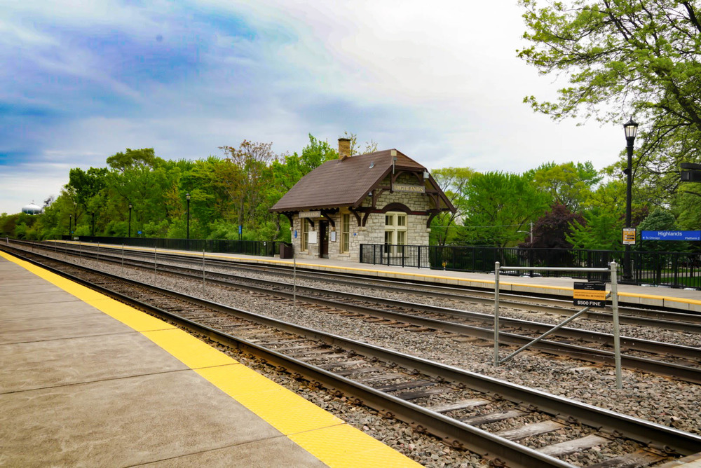 Highlands is within a short walk of the Hinsdale Metra station. Only a few Metra trains stop at Highlands, mostly during rush hour.
