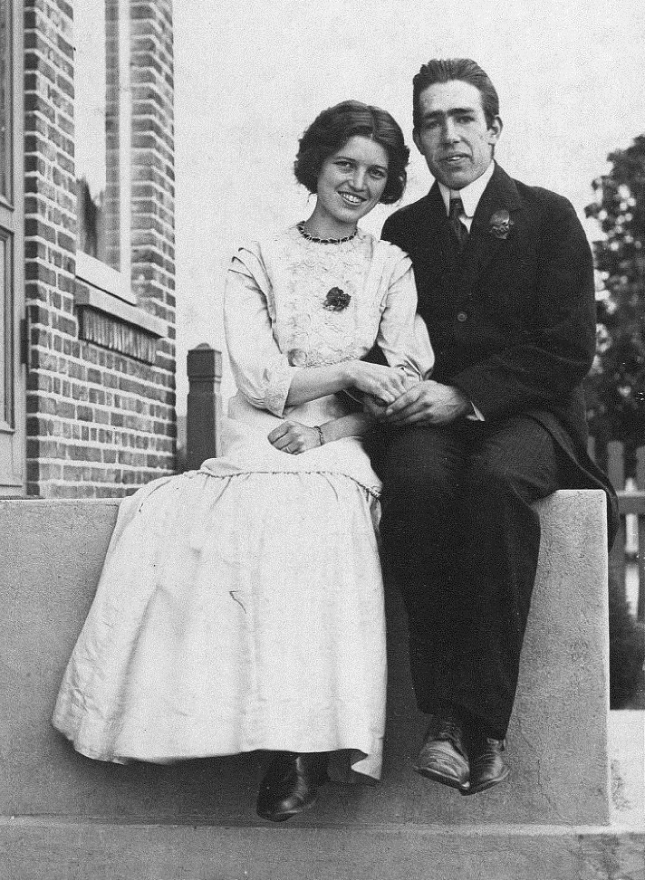 Margrethe and Neils Bohr, 1910. (   Wikimedia Commons      Public Domain)