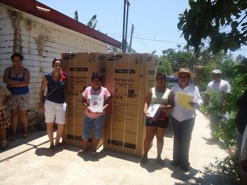 Junio 2011. Entrega de electrodomésticos en La Antigua.