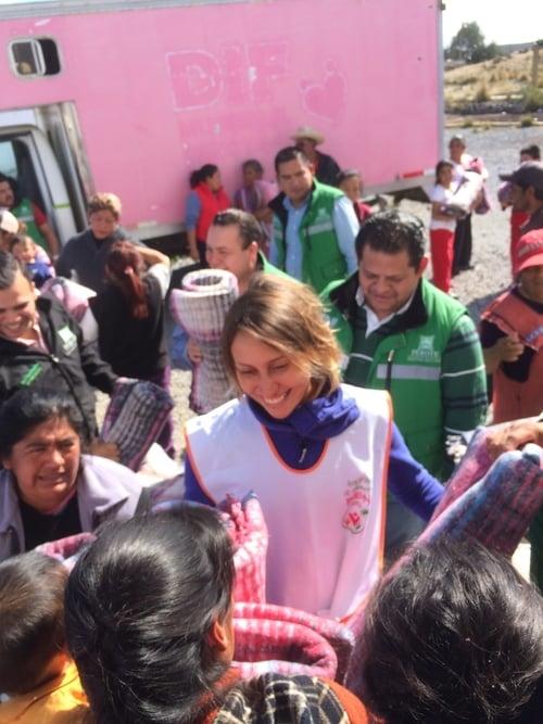 Enero 2015. Entrega de cobijas en Perote con Fundación Julián