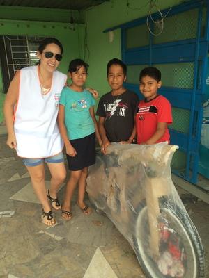 Regalando bicicletas en Jamapa