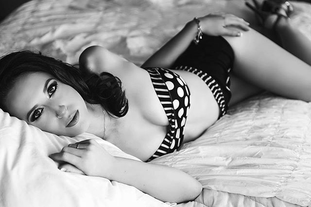 Flashback Friday. What will you do differently today? #boudoirlife #boudoir #chasinglight #boudoirphotographer #capecoral #capecoralboudoir #floridaboudoir #sexy #beautiful #blackandwhite