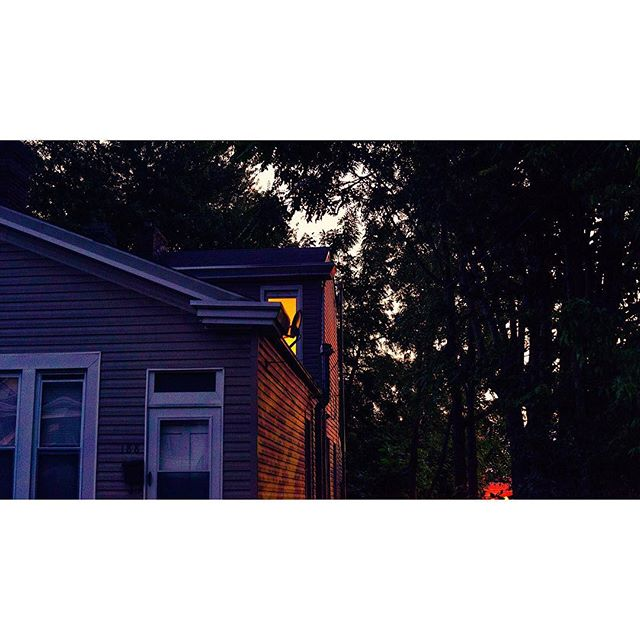 Home. . We made it and we're getting settled so I'm back to the instagrind. . . .  #filmmaking #filmmaker #cinematography #dop #streetphotography #framez #photography #photooftheday #light #louisville #kentucky #art #louisvillefilm #sony #sonyalpha #sunset #instagood