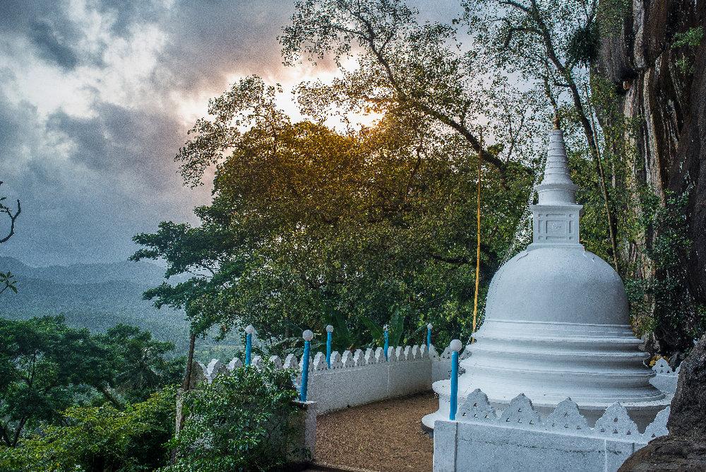 Poth gul viharaya temple