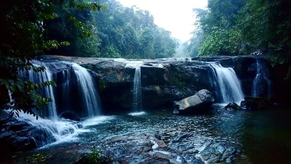 Induruwa falls - Adams Peak route