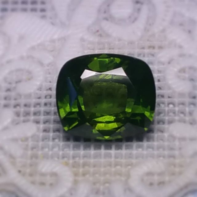 Gorgeous #greenzircon #cushioncut from #ratnapura #srilanka