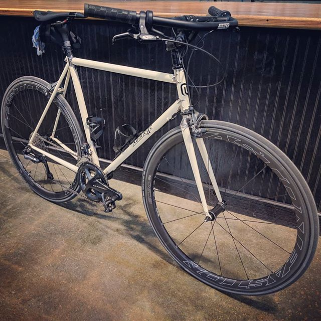 Want custom? We got ya covered! . . #nobilette #jonesbar #roadbike #shimano #di2 #custom #timetoride #marknobilette