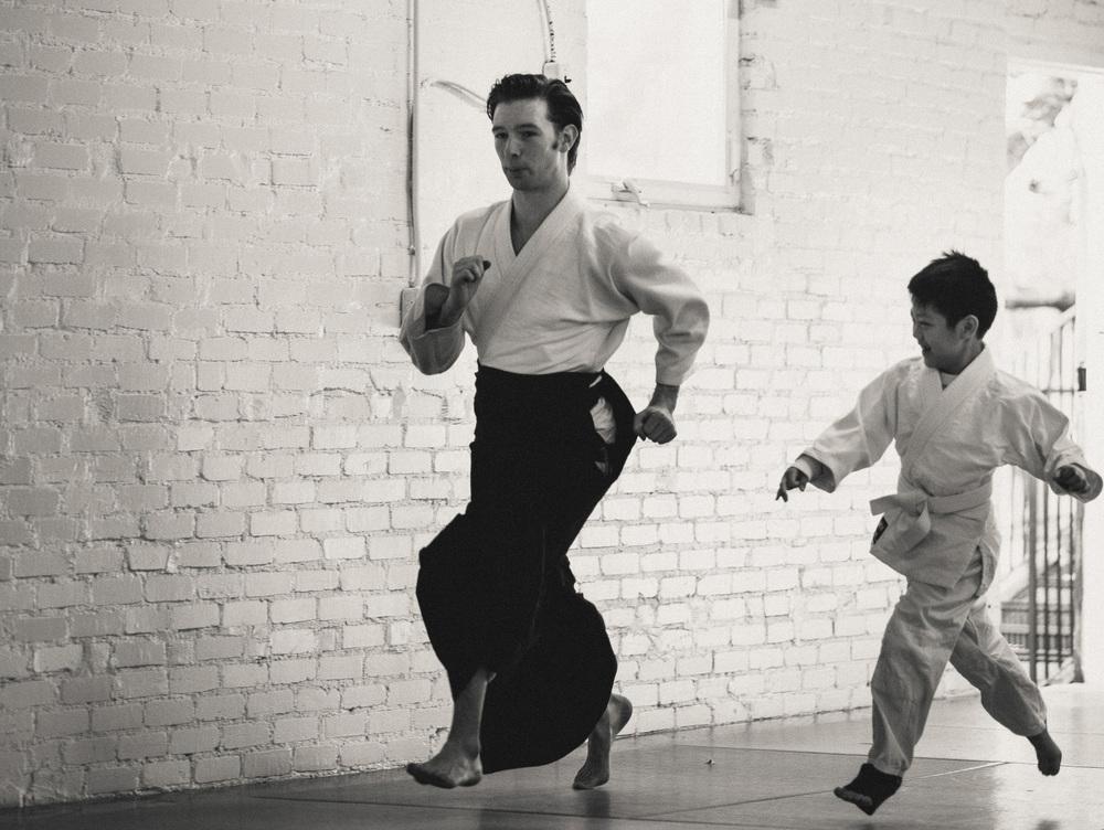 kidsrunning1-bw-cropped.jpg