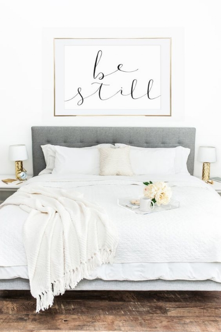 be-still-bedding
