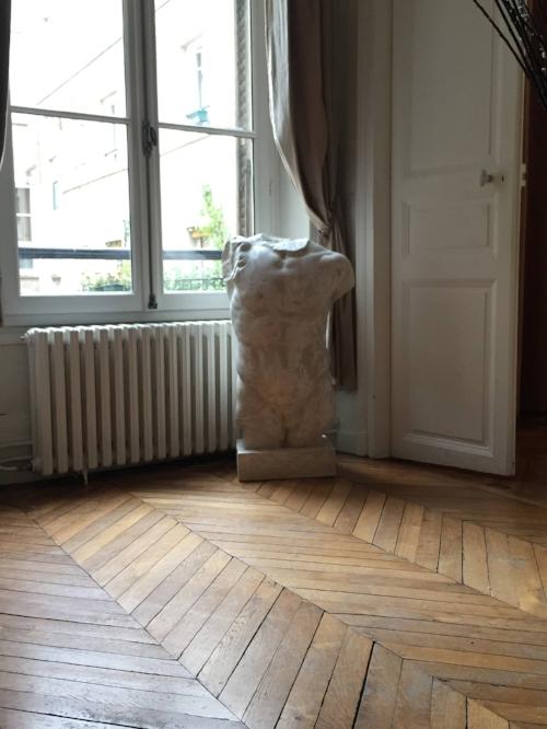 paris-airbnb-marais
