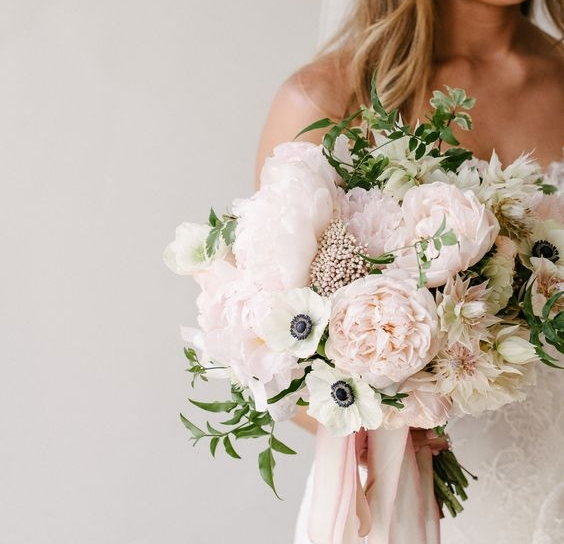 Soft pink wedding flowers ooh la la mode soft pink wedding flowers mightylinksfo