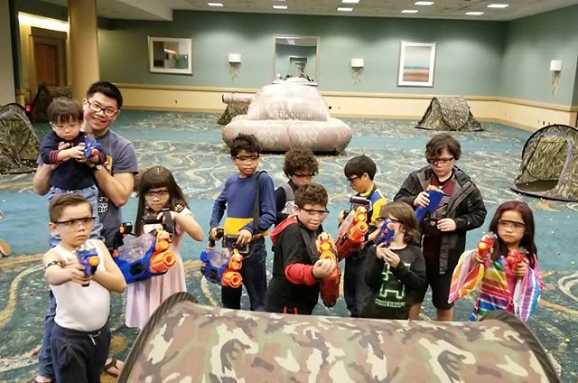 Little kids with giant guns at the Mad Nerf War @ the Long Beach Comic Expo.  #PartyXtreme #MadNerfWar #lbce2019 #lbce #lbcc #longbeachcomicexpo #longbeachcomicexpo2019 #nerfrival #NerfGun #nerfwars #nerfnemesis #nerfprometheus