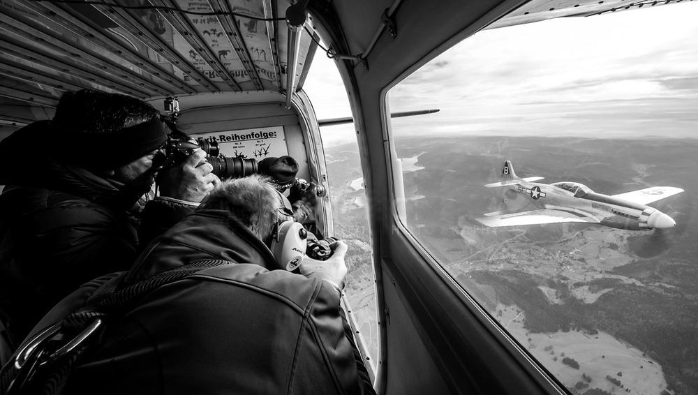 locating aircraft