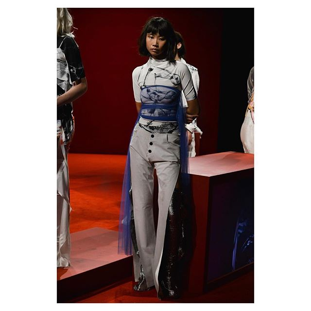 The @paulakn.rr presentation this morning ❤️ Styling @fannieakerblom  Casting @bunterbear  Hair @formmania  Make up @jennycoombsmakeup  Production @bacchus_studio  #lfw #paulaknorr #newgen