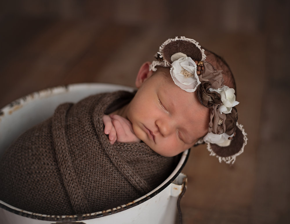 Lonsdale_Newborn_Photographer7 (2).jpg