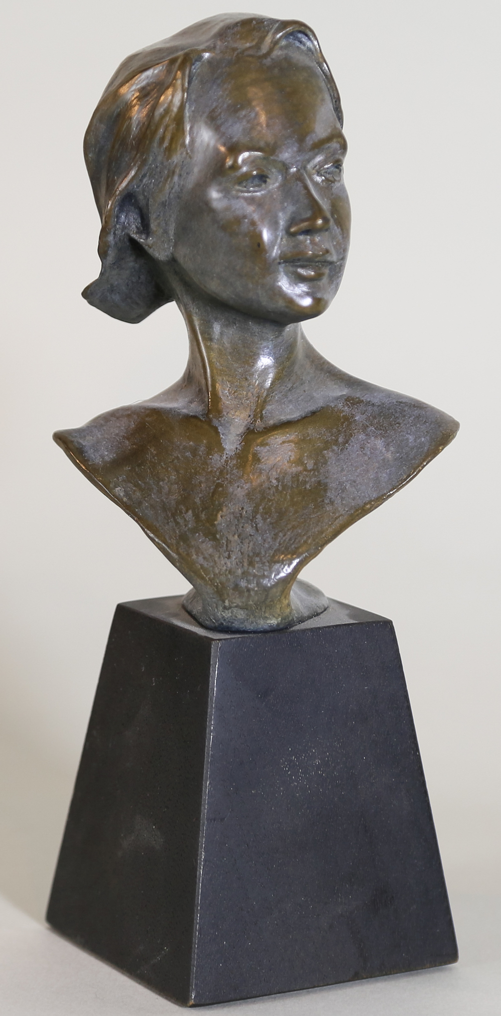 La Reaction (Bust) (2003) Bronze, Edition: 15, 8,5x2x2in, $985