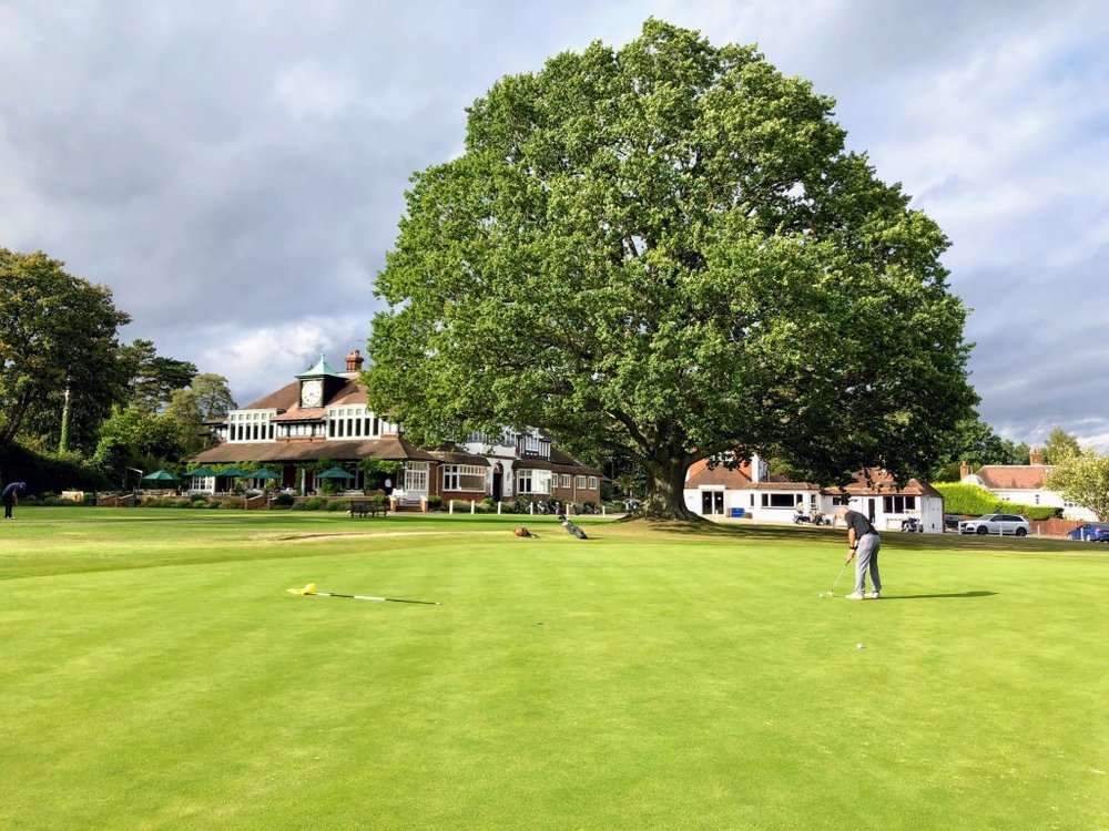 The 18th green at Sunningdale's Old Course is a fantastic setting to end your round
