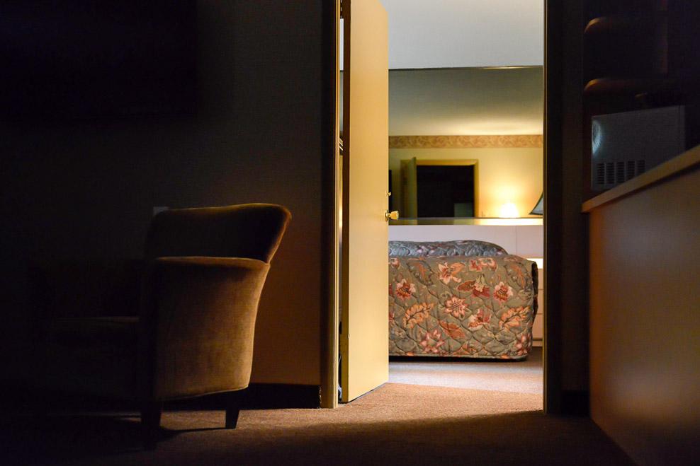 171120_WILSON_LAURA_HOTEL_ROOM-1243.jpg