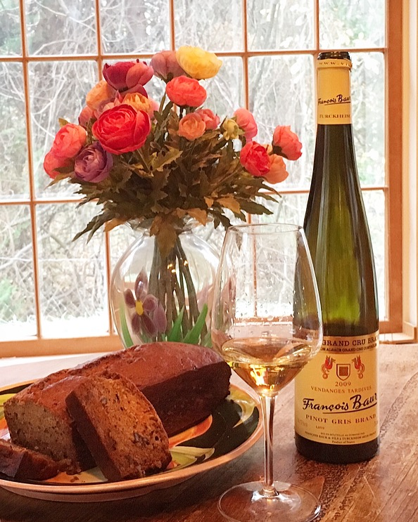 The Late Harvest Grand Cru 2009 Pinot Gris from the Alsacian producer Francois Baur was the perfect accompaniment to a warm slice of Banana Bread heaven!