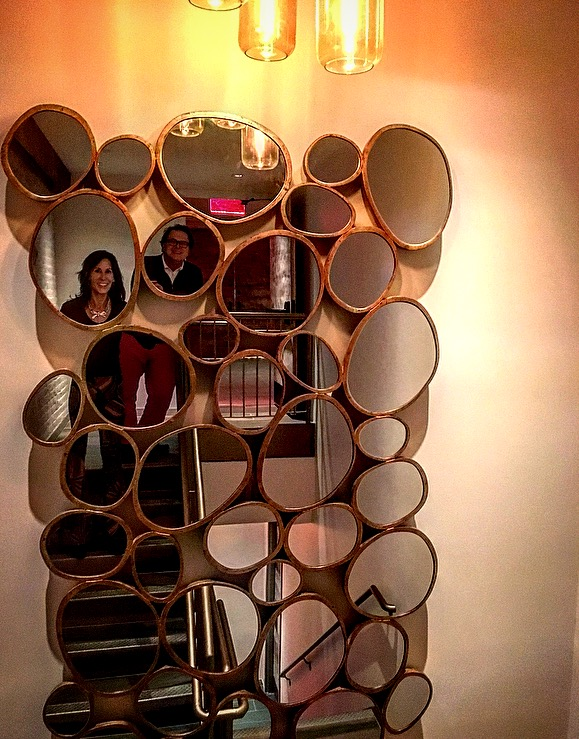At the Industry event, when Discovering A gem like this mirror at the staircase, my friend Robin and I couldn't resist taking a photo!