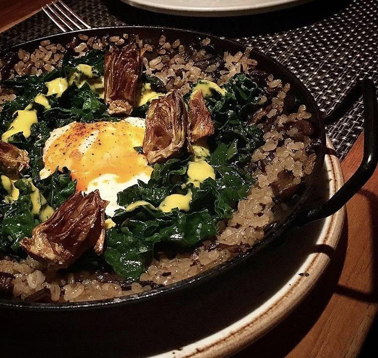 Paella with egg, kale and crispy artichoke, Gato