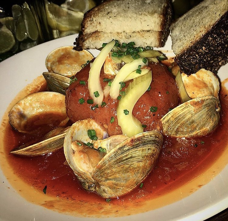 Clams with tomato and garlic, Jeffrey's Grocery