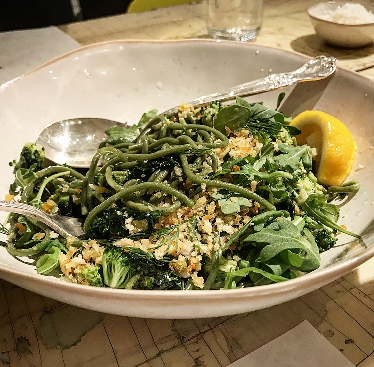 The spinach spaghetti with broccoli, kale, preserved lemon, garlic and parmigiano was out-of-this-world. The pasta was al denté and the vegetables were so fresh with a slight crunchiness to them.