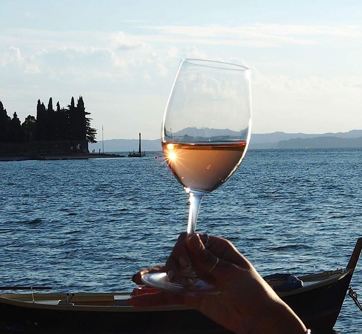 Enjoying Chiaretto on Lake Garda.   (Photo courtesy of Wine Bardolino)