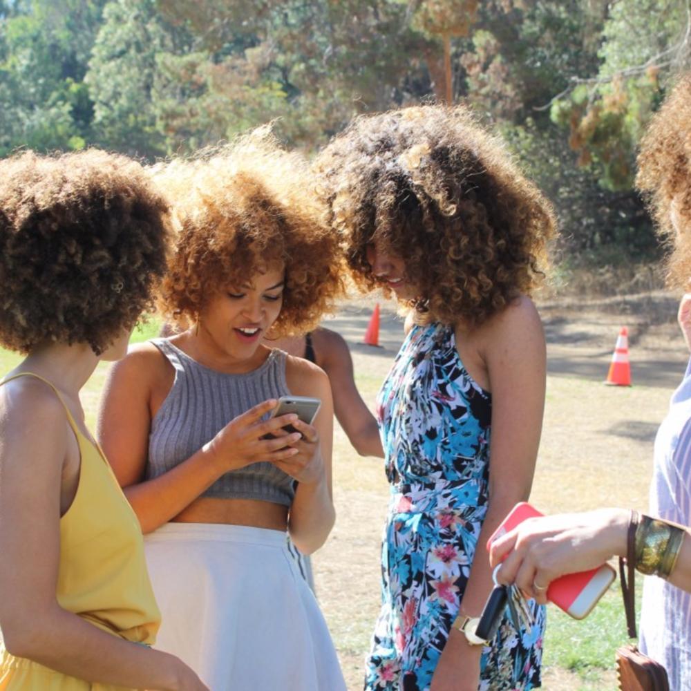 natural hair women.png