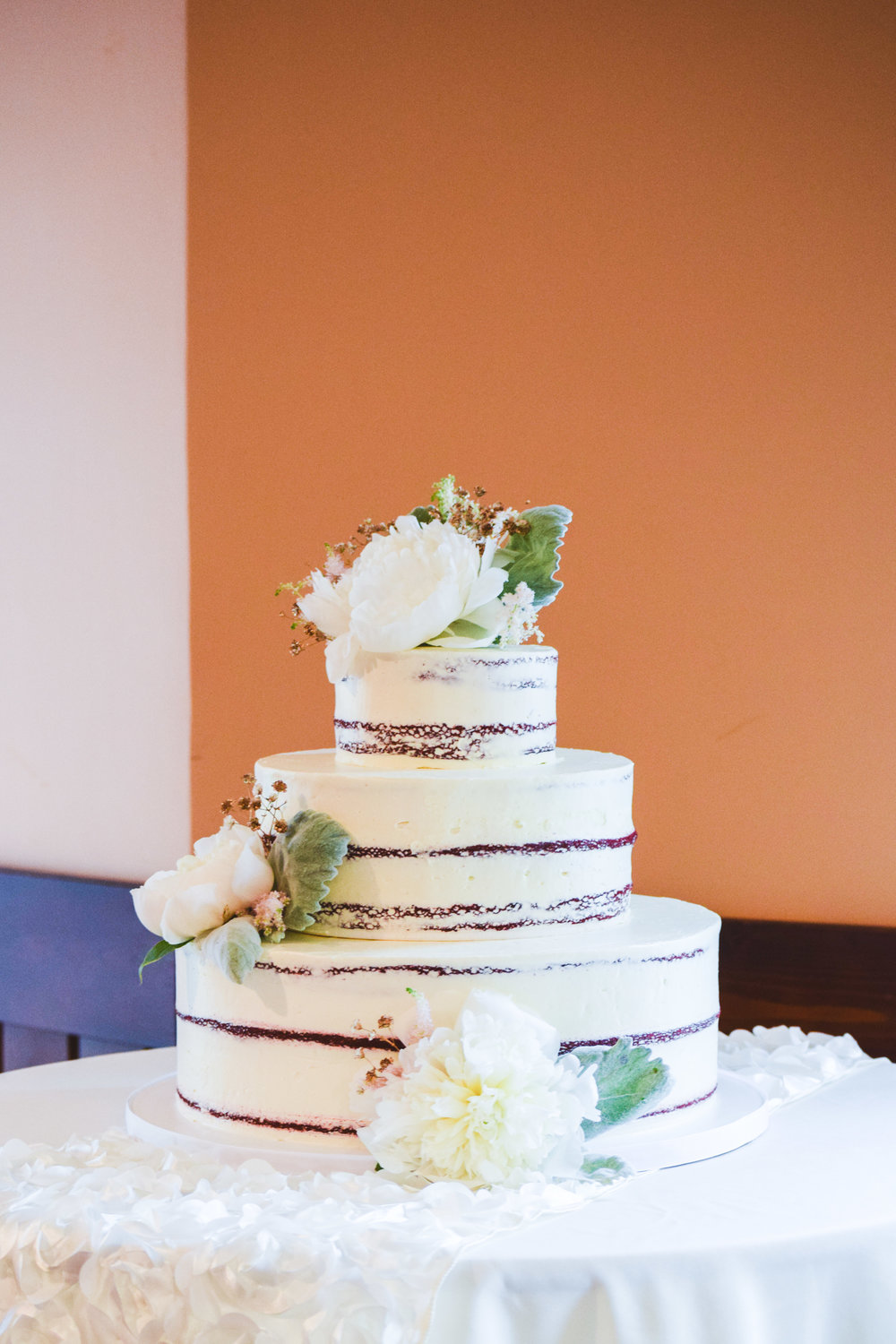 Jackie Edible Art Bakery Brainerd Wedding Cakes-9.jpg