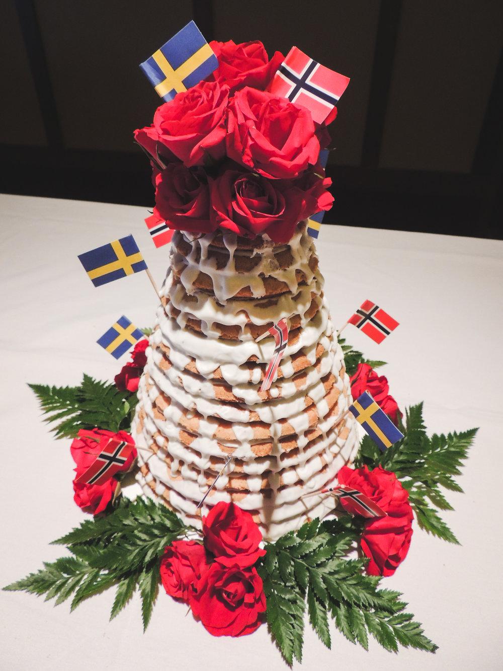 Jackie Edible Art Bakery Brainerd Wedding Cakes-64.jpg