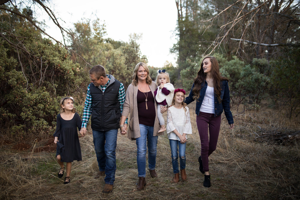 large family red bluff photographer