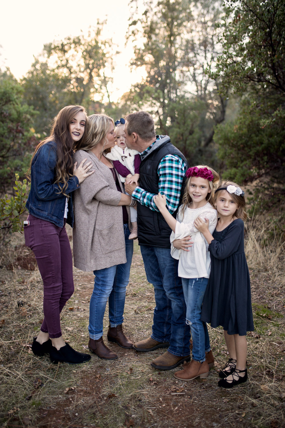 portrait large family with girls red bluff photographer