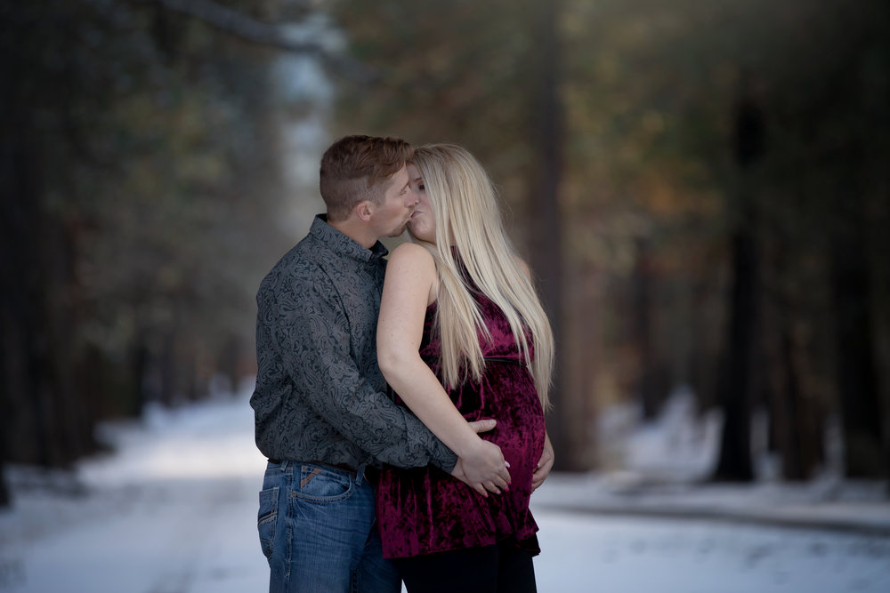 maternity mountain image red bluff photographer