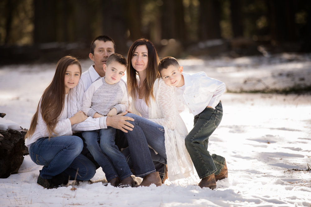 lifestyle pose red bluff family photographer