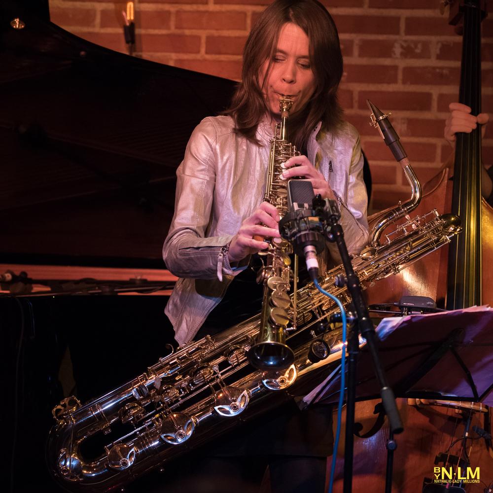Céline Bonacina, ses saxophones et son crystal blouson