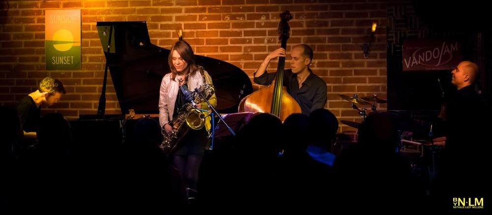 Gwilym Simcok au piano, Céline Bonacina aux saxophones, Chris Jennings à la basse et Asaf Sirkis à la batterie.