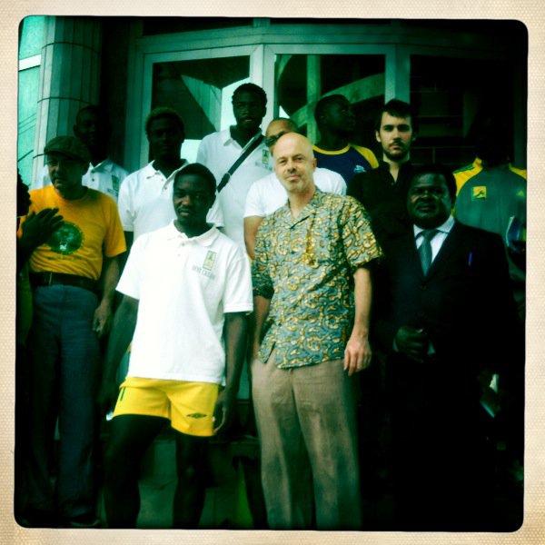 Au Cameroun, lors d'une tournée de Bibi Tanga & The Selenites.