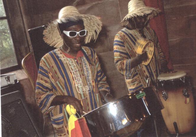 Steel drum et congas.