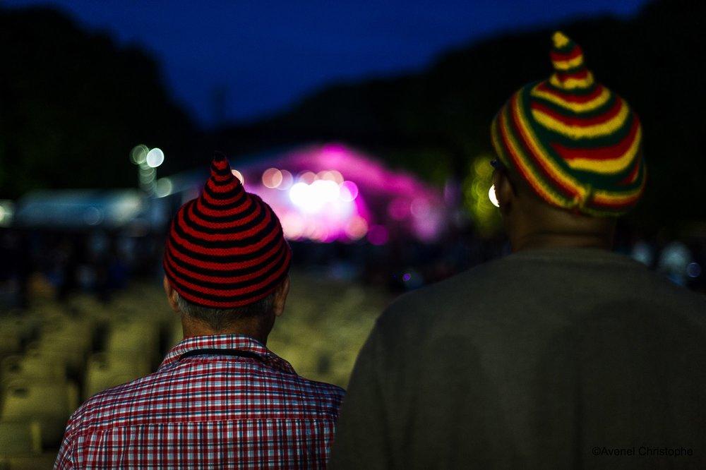 Des bonnets à Samois-sur-Seine.