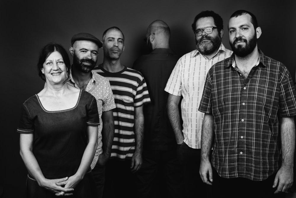 Na Ozzetti, Rodrigo Campos, Marcelo Cabral, Thiago França Kiko Dinucci, Romulo Fores.