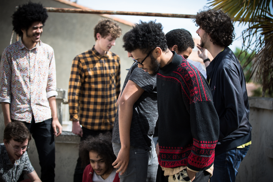 De gauche à droite : Noé Hourant, Dorris Biayenda, Vincent Barcelo, Julien Langlade, Pierre Sanges, Nicolas Fernandes. © Margot Vonthron