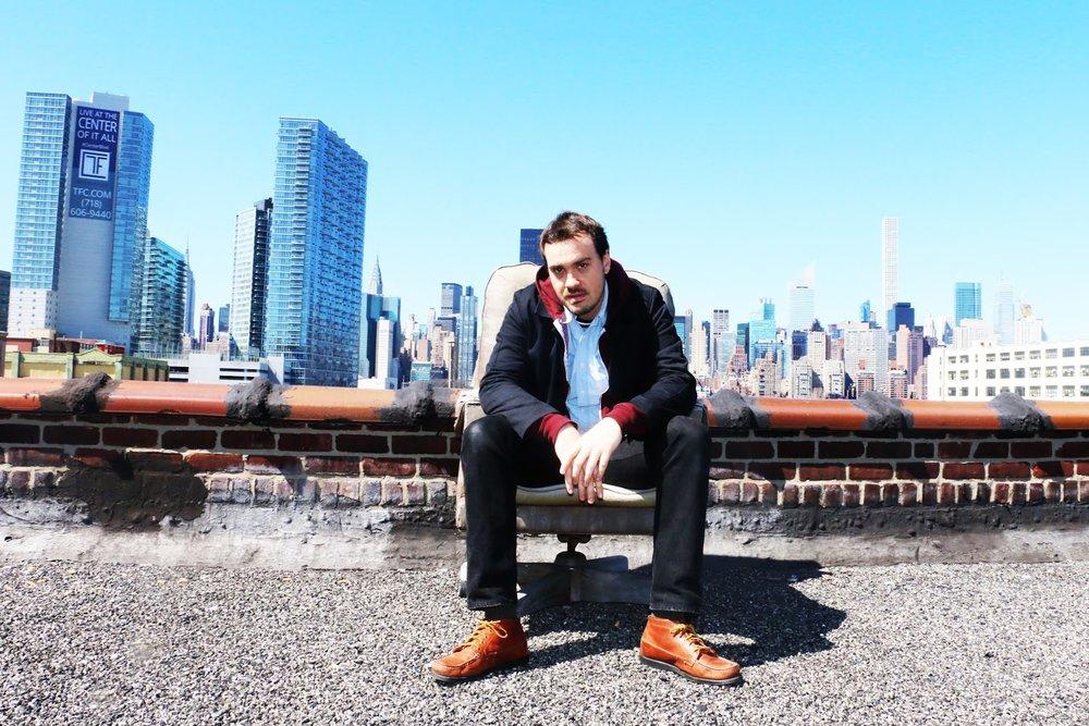 Leon Michels sur les toits de New York