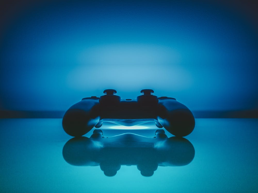 """Players are generally in competition by their mid- to late teens, and most are retired by their mid-20's, which is often due to burnout or fatigue: The intense lifestyle and constant hours of work it requires to be a professional gamer just aren't realistic for decades-long spans."", (Stanton, 2015)."