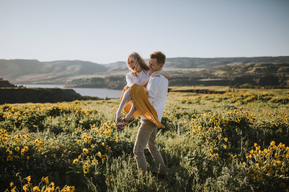 Anniversary Photos at Rowena Crest with the Wildflowers