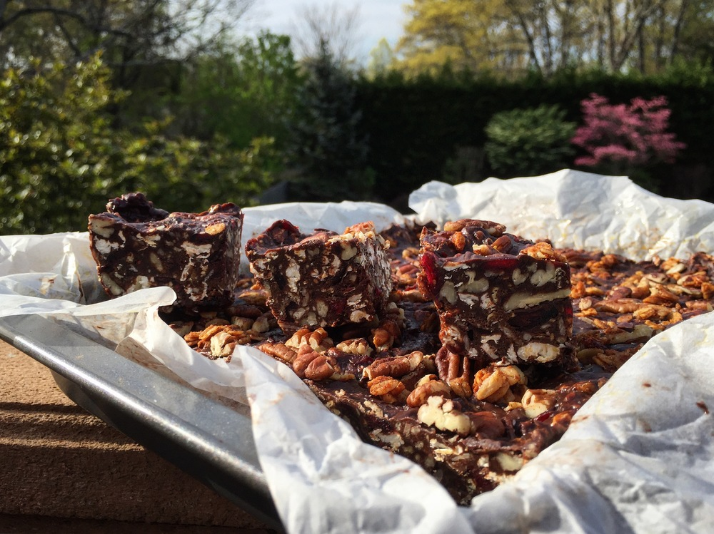 """Dark Chocolate Granola Bars"""