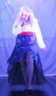 Gina Dolly.png