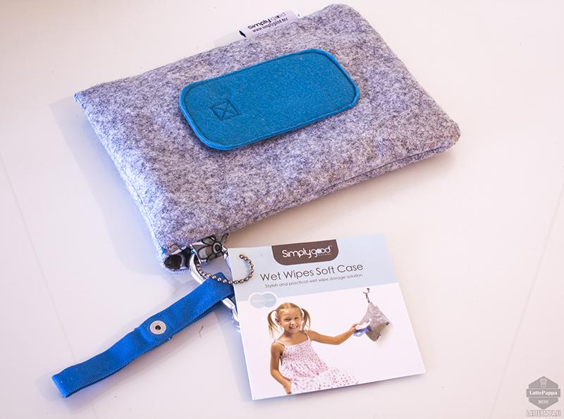 Laukku kosteuspyyhkeille: Simply Good Finland. ...Tähän mahtuu myös iPad mini, testasin :)